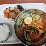 ソウル市場 - ビビン麺セット