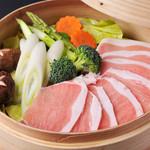 よかにせ - 鹿児島黒豚と彩り野菜のせいろ蒸し
