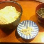 128548744 - 親子丼(590円)