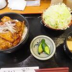 とんかつ和 - 豚丼 \880(税込)