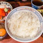 魚祥 - 名物 漁師のまかない丼 950円+大盛 100円=1,050円