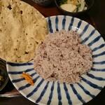 月と亀 - パパドと十穀米