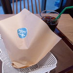 沼津バーガー - アジフライバーガーは沼津らしい一品。さて、お味のほどは…