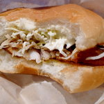 沼津バーガー - バンズのふわふわした食感が印象的。魚だけでなく、パンにも気を使っていると見た