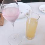 レストラン ペタル ドゥ サクラ - ノンアルコールの飲み物:さくらと柑橘のスパークリング