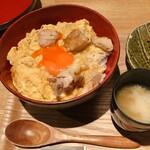 カッシーワ - ダブル親子丼 750円