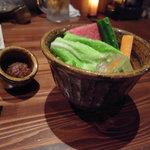 炭人の台所 ばりちょう - 鶏味噌と生野菜のお通し。。