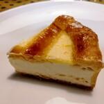 128602028 - ついに! トロイカのチーズケーキ
