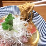 128602059 - 麺