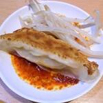 128605029 - 石松餃子 & 茹でモヤシ