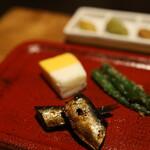 小田原おでん本店 - 前菜3品のなかのお魚他