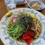 そば秋 - 【2012年5月追加】「冷やし中華」麺が少し硬めだった。
