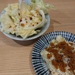 焼鳥のヒナタ - ポテトサラダ(小)と付き出しキャベツ