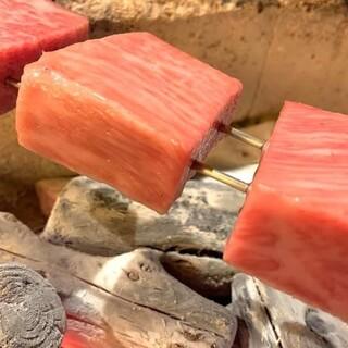 紬の肉は炭火焼です