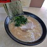 川崎家 - 醤油ラーメン650円