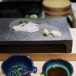 五反田鮨 SUSHI TOKYO 81 - 真鯛(淡路) 煎り酒と
