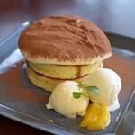 Sweet of Oregon - 【季節限定】ティラミスパンケーキ(カフェ商品)