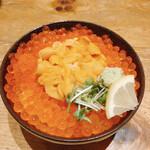 どんぶり茶屋 - いくら・生うに二色丼(3780円)
