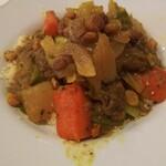 レストラン モロッコ - お肉と野菜のクスクス 1650円 ボリュームありました。野菜に冷たいのと温かいのが混じっていて、うーん。