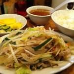 12866011 - 肉野菜定食。ボリューム満点。