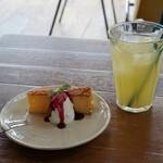PARADISE CAFE NALU - ランチ シフォンケーキ・グレープフルーツジュース