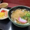 かけはし - 料理写真:きつねうどん¥400円&ちらし寿司¥200円٩(ˊᗜ.ˋ*)و
