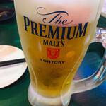 ラッキー餃子会館 - 生ビール大