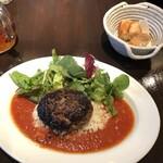 Les pif et dodine - 牛粗挽肉のステークアッシェ1100円