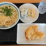 丸宮製麺 - 料理写真:かけ(小)+おにぎり+とり天