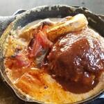 森の中のお肉レストラン アースガーデン - ハンバーグ180g このハンバーグ、ふわふわジューサーでとっても好みでした♪