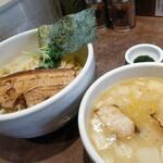 ヌードル・サウンズ - ホタテ出汁のつけ麺。