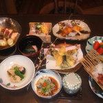 秋平 - 料理写真:写真は5,250円の会席料理です。