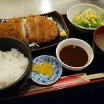 128703420 - 豚カツ定食980円♪