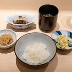 新ばし 星野 - お食事、時雨煮 ちりめん山椒 白菜の漬物 赤出汁