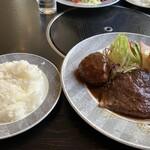 ニュー松坂 - 料理写真:松坂ランチ