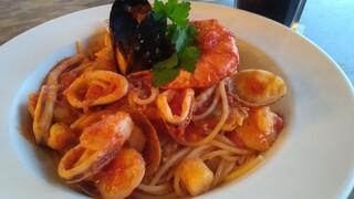 プレストンカフェ ニューポートひたちなか店 - 魚貝たっぷり完熟トマトのペスカトーレ