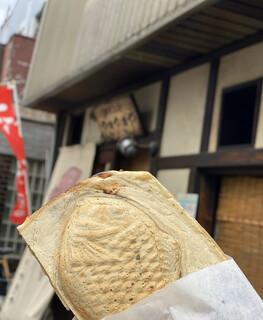 鯛焼工房 やきやきや - 鯛焼き1つ130円