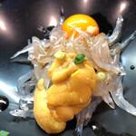 初芳鮨 - 白魚 海胆、 鶉卵