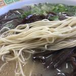 長浜ラーメン力 - ストレートの細麺