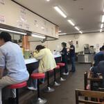 長浜ラーメン力 - 店内をパシャ 平日の17時前