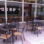 スターバックス・コーヒー - テラス席①