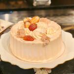 ソマーハウス - 桜シフォンケーキ@たっぷりの桜クリームとシフォン。桜の塩漬けの塩気あり