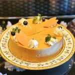 ソマーハウス - フロマージュ エ テ@紅茶&チーズのクリームを紅茶ムースで包みベリージャムを忍ばせたケーキ