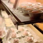 ソマーハウス - グラスデザート類のショーケース@桜だらけ(*´Д`)ハァハァ