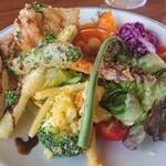 cafe Karin 果林 - ワンプレートランチ(若鶏とアスパラガスベニエ、地元野菜料理盛合せ)