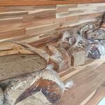cafe Karin 果林 - 店内パン販売コーナー