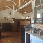 cafe Karin 果林 - 店内の様子