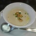 ビストロコバ - 春キャベツのスープ