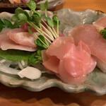 鳥の里 - 鳥刺しと鳥寿司