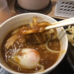 日乃屋カレー - 麺リフトしてみました